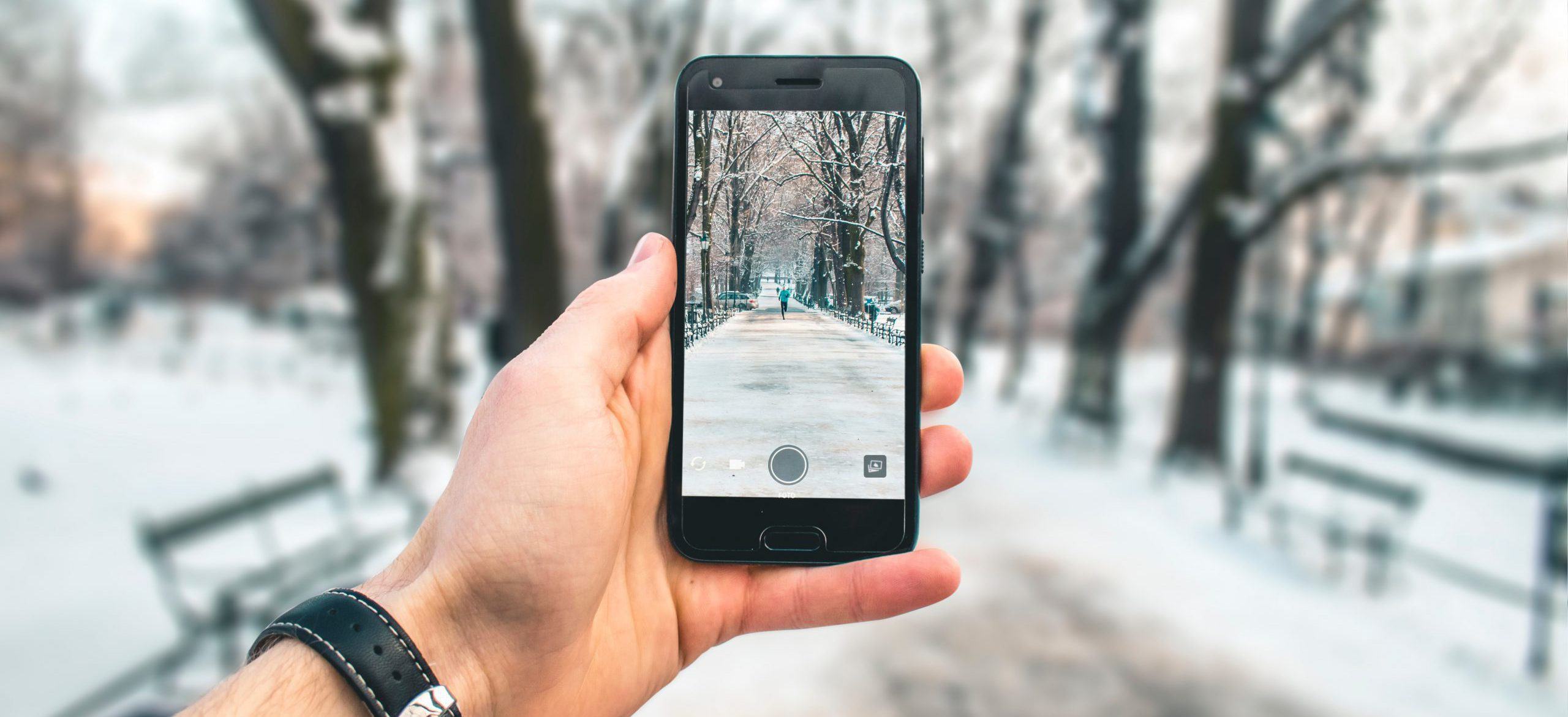 7 tips to make the most out of your smartphone in cold weather.